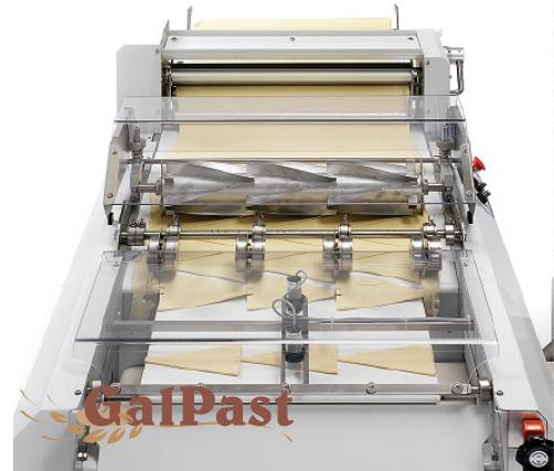 Круасаномат CROYMAT. Машина для формування круасанів (порізка та загортка). Teknostamap (Італія) - 1